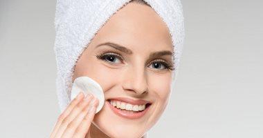 Photo of وصفات طبيعية لتنظيف البشرة الدهنية