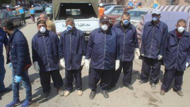 Photo of محافظة الجيزة توزع كمامات وقفزات ومطهرات علي عمال النظافة لمواجهة كورونا