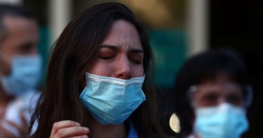 Photo of 18 ألف اصابة جديدة بفيروس كورونا في الولايات المتحدة و 1074 وفاة