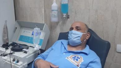 Photo of بعد شفائه من كورونا.. مسعف يتبرع بالبلازما بمستشفيات جامعة أسيوط