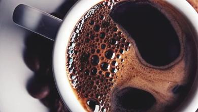 Photo of أستاذة مناعة تحذر من شرب القهوة في الطقس الحار
