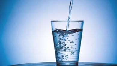 Photo of هل شرب الماء الزائد مُضر؟ ..استشاري تغذية علاجية يجيب