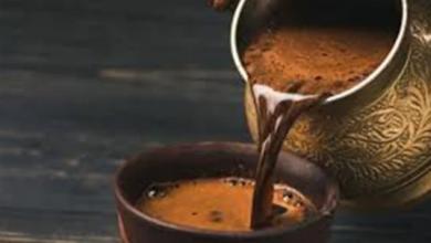 Photo of ضعي فنجان قهوة على شعرك وشاهدي ماذا يحدث
