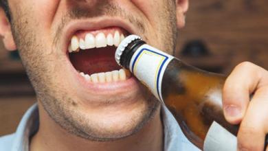 Photo of عادات خاطئة تدمر الأسنان
