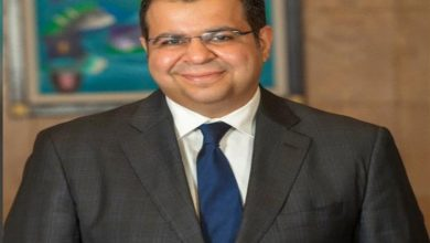 Photo of وزيرة الصحة تنعى شهيد كورونا الدكتور إيهاب سراج مدير عام خدمات نقل الدم
